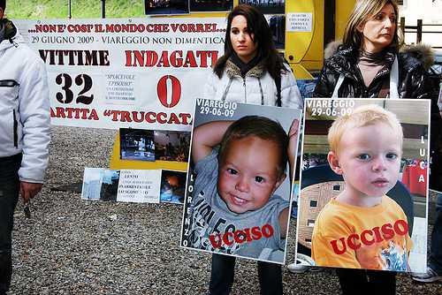 strage viareggio-foto bimbi morti